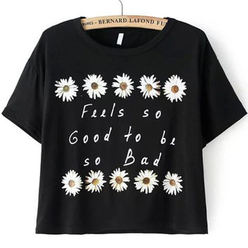 Daisy Print Short Sleeve Cropped T-shirt