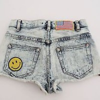 Women's Forever 21 High Rise Acid Wash Studded American Flag Jean Shorts Size 24