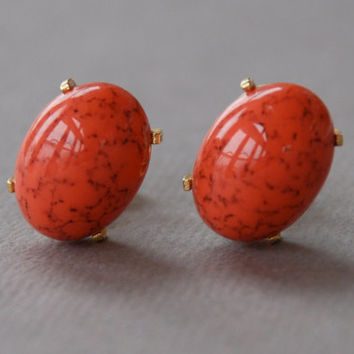 Vintage Crown Trifari Clip Earrings Mottled Coral Thermoset Textured Gold Tone Spring Jewelry 1960's // Vintage Designer Costume Jewelry