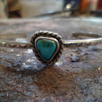 Authentic Navajo,Native American Southwestern sterling silver turquoise bracelet.