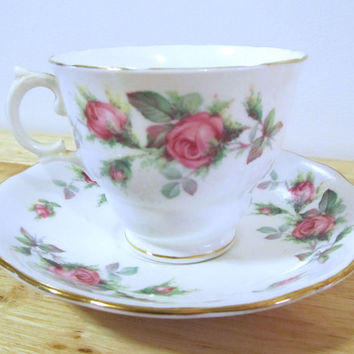 VINTAGE - Fine Bone China Tea Cup and Saucer - Royal Vale - England - Pink Roses
