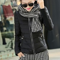 Set Plaid Hood Down Jacket and Down Shorts YRB0384