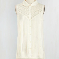 Vintage Inspired Mid-length Sleeveless Winsome in the Willows Top in Ivory