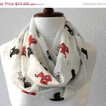 BLACK FRIDAY SALE Cat Scarf, Animal Scarf, Print Infinity Scarf - Loop Scarf - Circle Scarf - Cowl Scarf - Soft and Lightweight