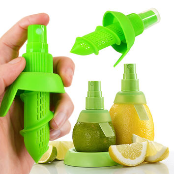 New Arrival Home Kitchen Lemon Juice Sprayer Fruit Citrus Spray Mini Squeezer Hand Juicer Cooking Tool Supplies