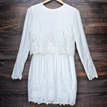 the Jetset Diaries dreaming the same dress - embroidered white