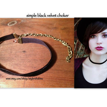 The Simple Black Choker.  Christmas outfit, Hanukah, Holiday, Style, fashion, Dress up, Gifts, friends, sister, daughter.