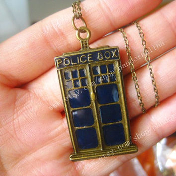 bronze police box jewelry Doctor Who necklace steam punk style men gift
