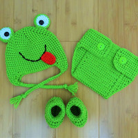 Crochet baby frog,  crochet frog hat, crochet frog hat and diaper cover set, photo props