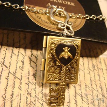 Heart Shaped Skeleton Key with Tiny Bee Steampunk LOCKET Necklace (1747)