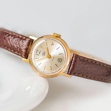 Vintage classy women's watch Dawn, gold plated watch petite, shockproof watch delicate, dust protected watch gift, new premium leather strap
