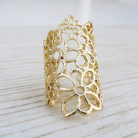 Adjustable gold lace ring - Gold cocktail ring, Statement ring, Filigree knuckle ring, Gold jewelry, Wide ring, Gold big ring, Gift for her