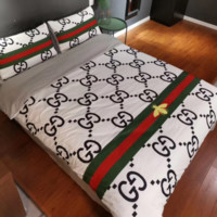 GUCCI 4 PC Bedding Set Conditioning Throw Blanket Quilt For Bedroom Living Rooms Sofa