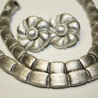 Vintage Brushed Silver Tone Barrel Trifari Necklace by patwatty
