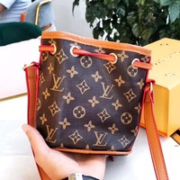 LV 2019 new classic old flower female bucket bag shoulder bag