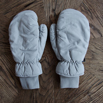 90s Vintage Winter Waterproof Mittens / Ski Snowboard Gloves / Unisex / Silver Grey