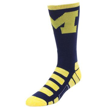 MICHIGAN WOLVERINES PATCHES QUARTER LENGTH SOCKS SIZE MEDIUM NEW FOR BARE FEET