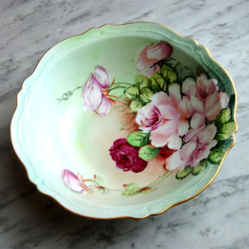 Vintage Porcelain Royal Austria Bowl, O and EG Serving Dish, Near Mint O&EG Hand Painted Vegetable Bowl, Rose Pattern, 24K Gold Rim, Gutherz