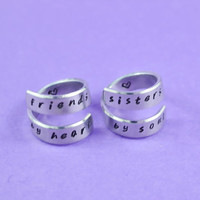 friends by heart / sisters by soul - Spiral Rings Set, Hand Stamped, Handwritten Font, Shiny Aluminum, Friendship, BFF,V2