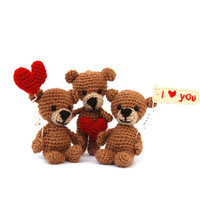 customize love bears, amigurumi little bear to tell I love you, personalize, engagement, say I do, getting married, unique marrige proposal
