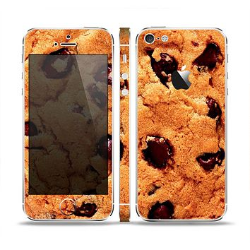 The Chocolate Chip Cookie Skin Set for the Apple iPhone 5