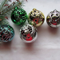Plastic Filigree Christmas  Ornaments / 5 Filigree Vintage  Ornaments / Retro Christmas Ornament