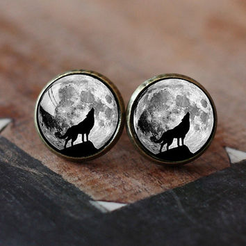 Howling Wolf Moon Stud Earrings Jewelry Fu
