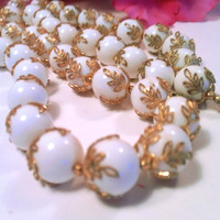 Crown Trifari White Beaded Necklace Bridal Vintage Mad Men Retro Party Jewelry