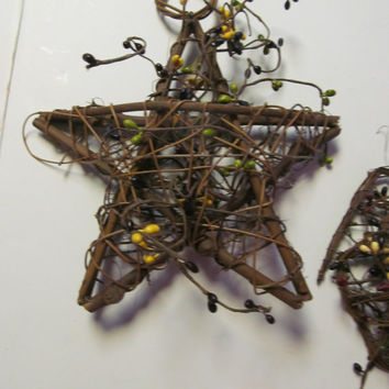 Primitive Star Decor Star Wall Hanging Twig Star Pip Berry Garland Primitive Star Ornament    Primitive Rustic Cabin Decor