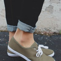 Essential Sneakers - Olive