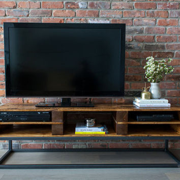 TV Console Reclaimed Pallet Wood Media Stand Entertainment Center / Media Cabinet