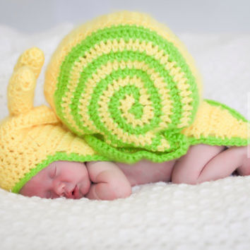 Photography Prop Crochet Snail/Crochet Snail Cape With Antenna/Snail Photo Prop/Baby Photo Prop