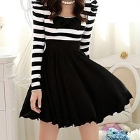 new Fall Women Ruffle Bowknot White Black Stripe big hem dress S M L 6 8 10 12