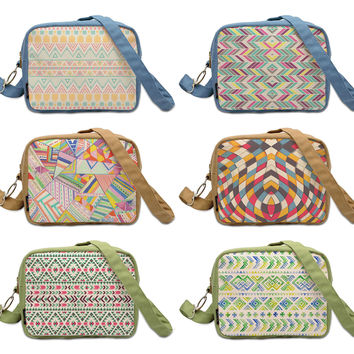 Colorful Aztec Patterns  Printed Canvas Casual Crossbody Bag WAS_20
