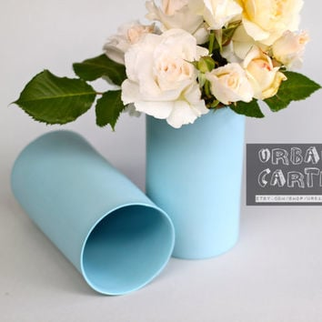 porcelain vase : ocean colour