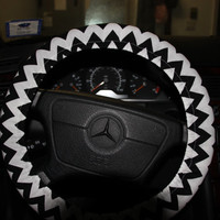 Steering Wheel Cover , Black and White Chevron Cover wheel ,Classic cover wheel.