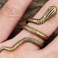 Gothic Vintage Snake Adjustable Ring from LOOBACK