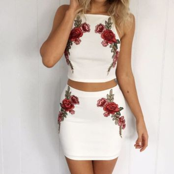 New white embroidery two sets of skirt