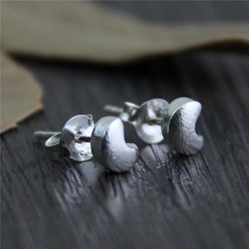 Vintage Matte 925 Sterling Silver Crescent Moon Stud Earrings for Women Daily Wear Gift for Her