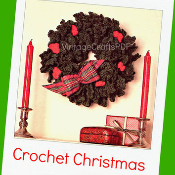 1970s Festive Wreath with Holly Berries-Vintage Crochet Pattern-Christmas Holly Wreath-Xmas Tree Ornament Favors-Holiday-Vintage Beso Crafts