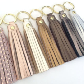 Leather tassel keychain.Metallic Gold.Metallic Rose Gold.Pink Suede.Leather key fob.Leather tassel charm.Pulpo creations.