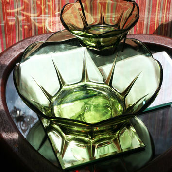 Anchor Hocking Avocado Green Vintage Glass Swedish Modern Pattern Chip & Dip Set