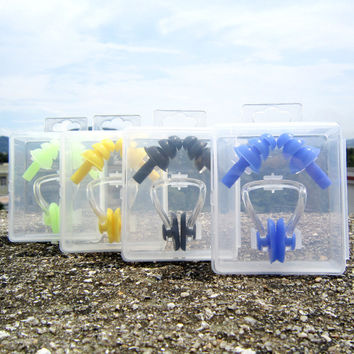 Soft Silicone Swimming Nose Clips + 2 Ear Plugs Earplugs Gear with a case box Pool Accessories Water Sports Y40