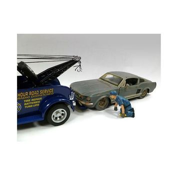 Tow Truck Driver/Operator Scott Figure For 1:24 Scale Diecast Car Models by American Diorama