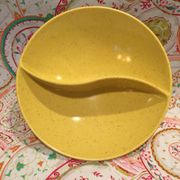 Holiday Bowl by Kenro made in Fredonia, Wisconsin/Yellow Holiday Bowl/Melamine/Divided Bowl/Free Shipping