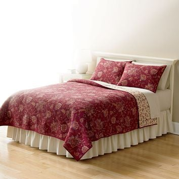 Home Classics Sarah Jacobean Reversible Quilt (Red)
