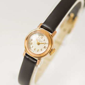 Very small woman watch Ray, women watch gold plated, tiny lady's wristwatch round, petite women's watch rare, premium leather strap new