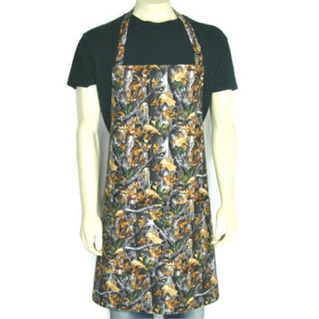Realtree Timber Camouflage Apron for Men,  Adjustable with Pocket