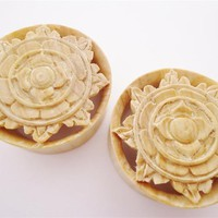 Big Crocodile Flower Plugs (7/8 inch - 2 inch)