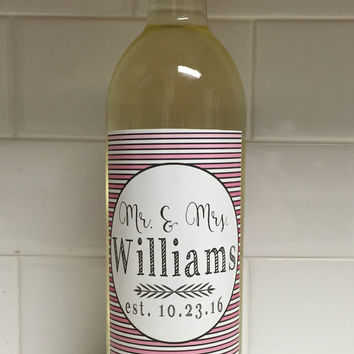 Mr. and Mrs. Customized Wine Label - Color. Wedding Gift. Couple Gift. Anniversary Gift. Wedding Decorations. Wedding Wine Label.
